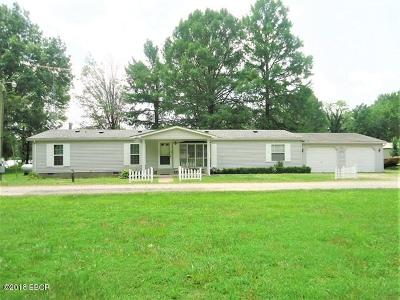 West Frankfort Single Family Home For Sale: 2872 Cambon Lake Circle