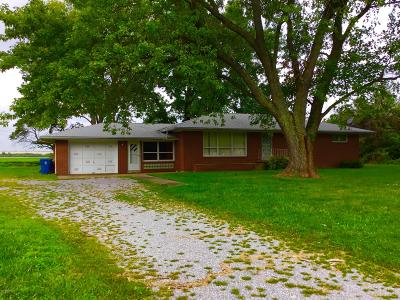Benton Single Family Home For Sale: 1405 N Duquoin