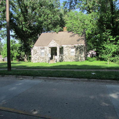 Harrisburg IL Single Family Home For Sale: $18,000
