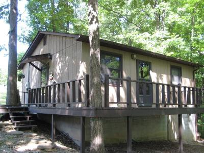 Johnson County Single Family Home For Sale: 590 Marina Circle