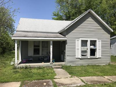 Single Family Home For Sale: 828 Elder Street