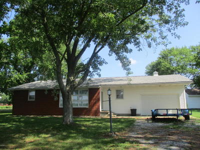 Benton Single Family Home For Sale: 223 Bowling Alley Road