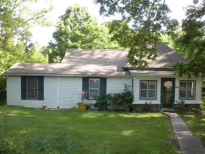 Carbondale Single Family Home For Sale: 240 New Campfire Road