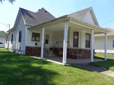 Marion IL Single Family Home Active Contingent: $20,000