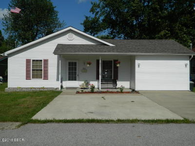 Marion IL Single Family Home For Sale: $117,900