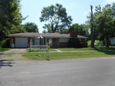 Creal Springs Single Family Home For Sale: 300 N Otrich