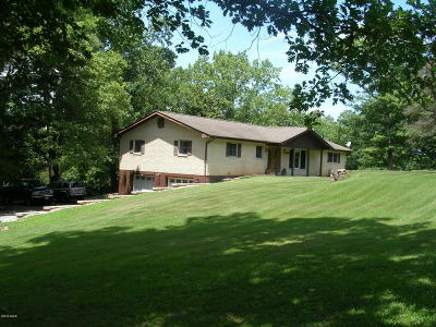 Johnson County Single Family Home For Sale: 485 Hensley Hills Drive
