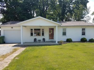 Chester IL Single Family Home For Sale: $95,000
