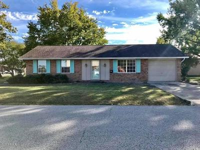 Marion IL Single Family Home For Sale: $83,000