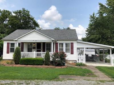 Marion IL Single Family Home For Sale: $52,500