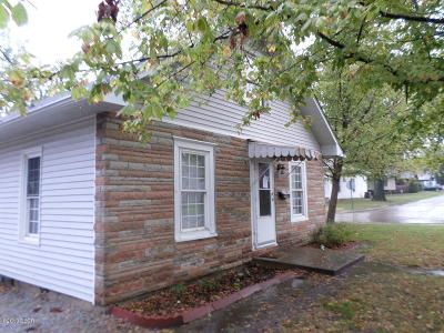 West Frankfort Single Family Home For Sale: 1411 E Poplar Street