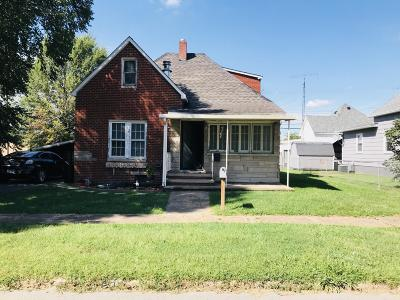 West Frankfort Single Family Home For Sale: 403 W Oak Street