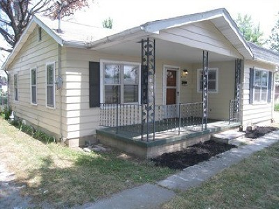 Metropolis Single Family Home For Sale: 913 E 6th Street