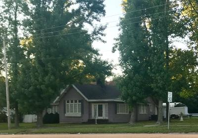 West Frankfort Single Family Home For Sale: 1737 E Main Street