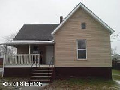 Marion IL Single Family Home For Sale: $44,990