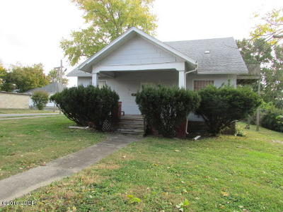 Carbondale Single Family Home For Sale: 201 S Poplar Street