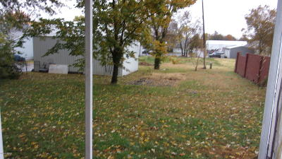 Harrisburg IL Single Family Home For Sale: $22,900