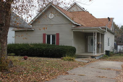 Herrin IL Single Family Home For Sale: $65,000