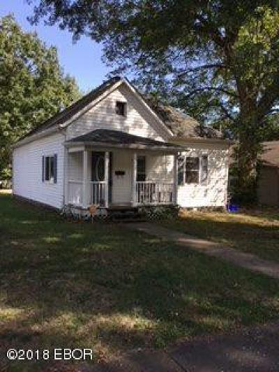 Single Family Home For Sale: 619 N Almond Street