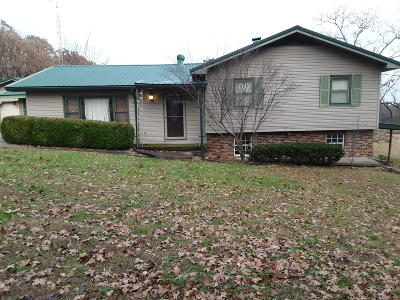 Elizabethtown IL Single Family Home For Sale: $139,000