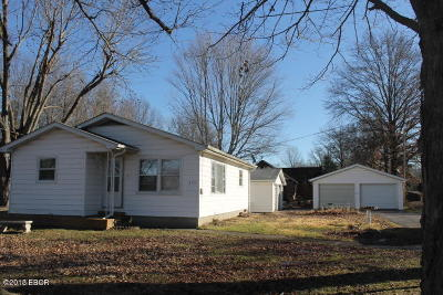 Energy IL Single Family Home For Sale: $64,900