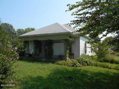 Saline County Single Family Home For Sale: 1014 N Main Street