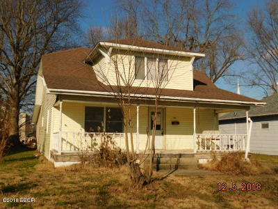 West Frankfort Single Family Home For Sale: 1413 E Elm Street