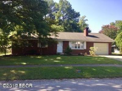 Carbondale Single Family Home For Sale: 1713 W Sunset Drive