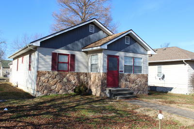 Marion IL Single Family Home For Sale: $59,500