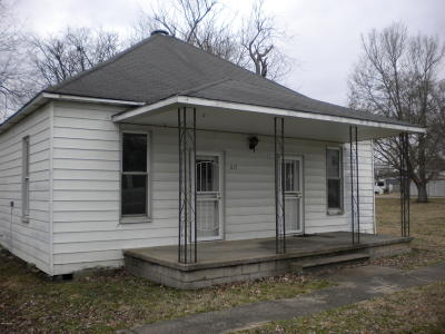 Gallatin County Single Family Home For Sale: 617 S Crawford Street