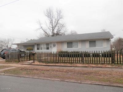 Benton Single Family Home For Sale: 302 N Commercial Street