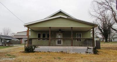 West Frankfort Single Family Home For Sale: 1503 E Elm