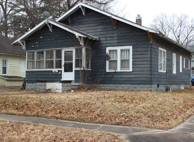 Carbondale Single Family Home For Sale: 612 N Bridge Street