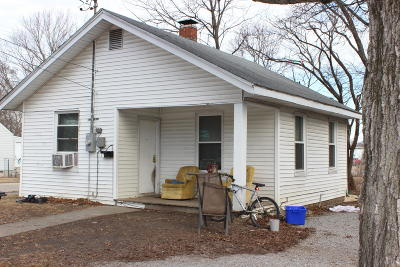 Carbondale Single Family Home For Sale: 611 N Carico Street