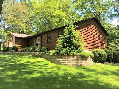 Single Family Home For Sale: 103 Meadowbrook Lane