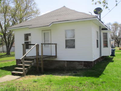 Benton Single Family Home For Sale: 1102 E Ruth Street