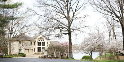 Carbondale Single Family Home Active Contingent: 104 Lake Indian Hills Circle