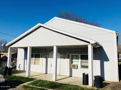 Marion Multi Family Home For Sale: 1706 N Russell Street