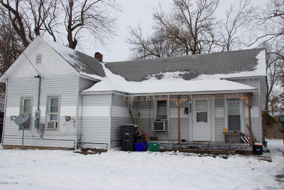 Carbondale Single Family Home For Sale: 210 E College Street