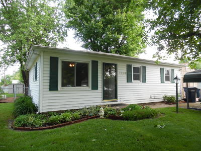 Mt. Vernon Single Family Home For Sale: 1508 Triangle