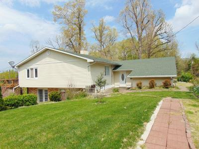 Marion Single Family Home For Sale: 213 Clifty Creek Drive