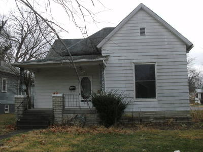 Harrisburg IL Single Family Home For Sale: $22,500