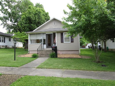 West Frankfort Single Family Home For Sale: 212 W 4th Street