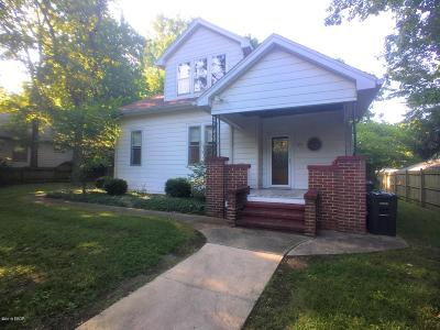 Carbondale Single Family Home For Sale: 506 W Pecan Street