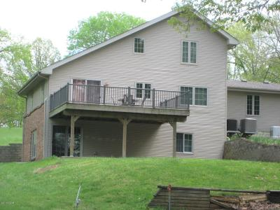 Johnson County Single Family Home For Sale: 1155 Cox Lane