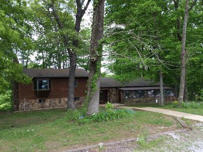 Mt. Vernon Single Family Home Active Contingent: 15488 N Morton Lane