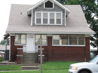 Carbondale Multi Family Home For Sale: 209 W Walnut Street