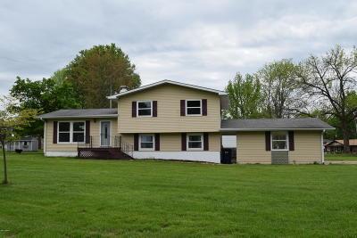 Mt. Vernon Single Family Home For Sale: 836 Apricot Avenue