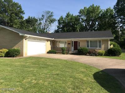 Benton Single Family Home For Sale: 504 W 6th Street