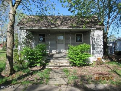 Single Family Home For Sale: 401 N 9th Street